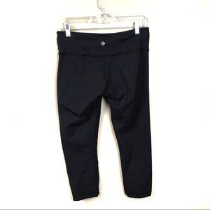 Lululemon black reversible Capri leggings 8